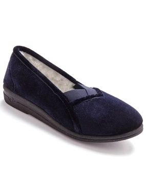 Ladies Slippers with Pure Wool Lining navy Ladies Slippers with Pure Wool Lining. V-shaping at the front and 2 elasticated gussets. Textile uppers. Pure new wool lining. Sole: other materials. Heel: 1 1/4in. approx. (3cm). http://www.MightGet.com/january-2017-11/ladies-slippers-with-pure-wool-lining-navy.asp