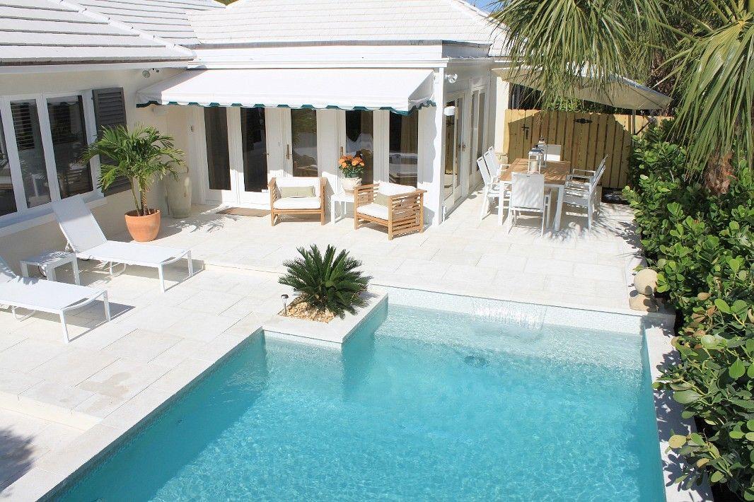 West Palm Beach House Rental Casa Valencia Exquisite Bermuda Style Luxury Home In Premier Location H Beach House Rental Beach Vacation Rentals House Rental