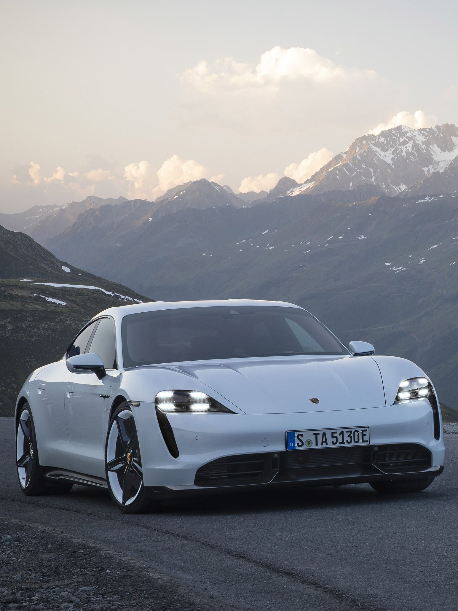Beautiful 2020 Porsche Taycan Porsche Taycan Porsche Cars Electric Car Concept