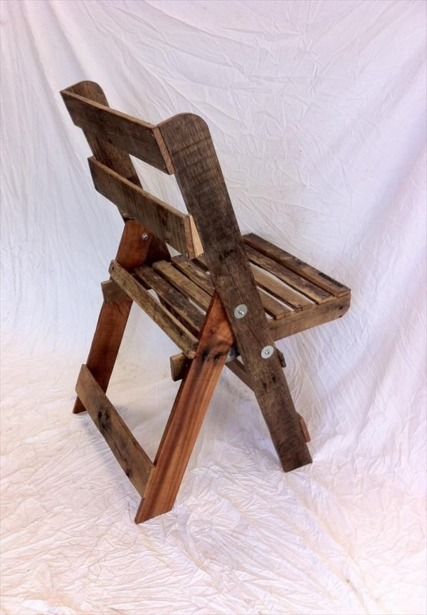 Recycled Pallet Folding Chair