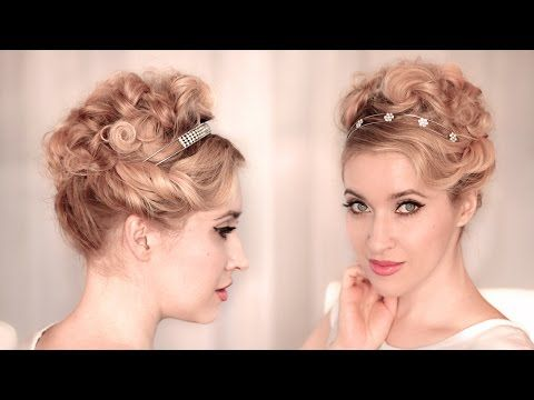 Holiday Hairstyles For Christmas Party New Year S Eve Cute Easy Curly Updo For Medium Long Hair Medium Curly Hair Styles Easy Curly Updo Medium Hair Styles