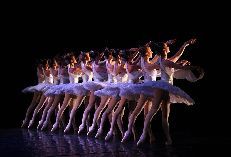 La Bayadère, The Kingdom of the Shades Koninklijk Ballet Vlaanderen in La Bayadère by Cynthia Harvey (after Marius Petipa) © Hans Gerritsen