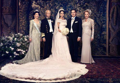 Kuningatar Silvia, kuningas Kaarle Kustaa, Madeleine ja Chris, sekä Chrisin äiti Eva O'Neill.
