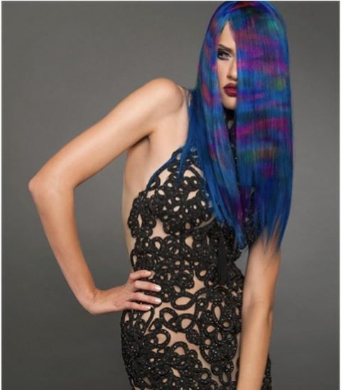 L'ANZA B.I.G. believer @christopherdove created this captivating bold look using L'ANZA VIBES