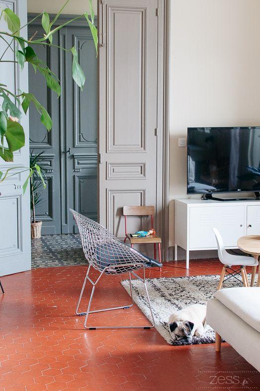 Visite Deco Salon Blogueuse Maison Meuliere Ancienne Decoration Interieure  Also Meilleures Images Du Tableau Couleur Taupe