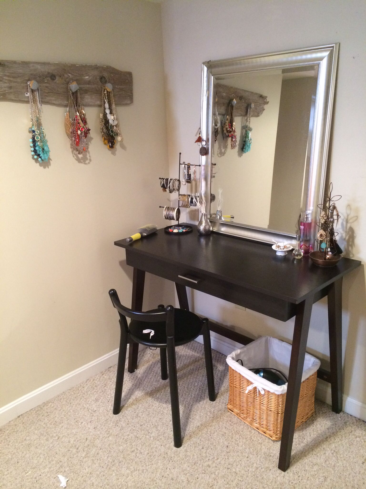 Diy dressing table vanity using a desk and mirror from target diy dressing table vanity using a desk and mirror from target geotapseo Choice Image