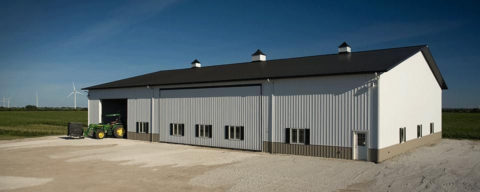 Lined Farm Shop For Agricultural Equipment Earl Park Indiana Farm Shop Farm Storage Buildings Farm Buildings