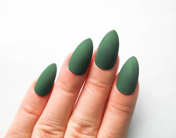 matte stiletto nails fake nails matte green almond by niceclaws nageldesign matt matte