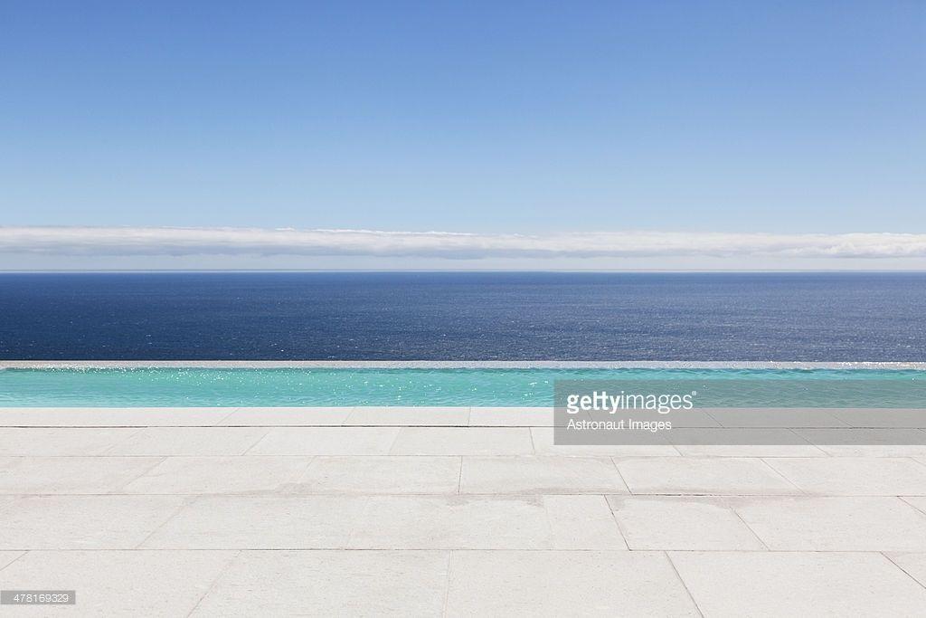 Infinity pool overlooking ocean | Swimming Pool | Infinity, Swimming ...