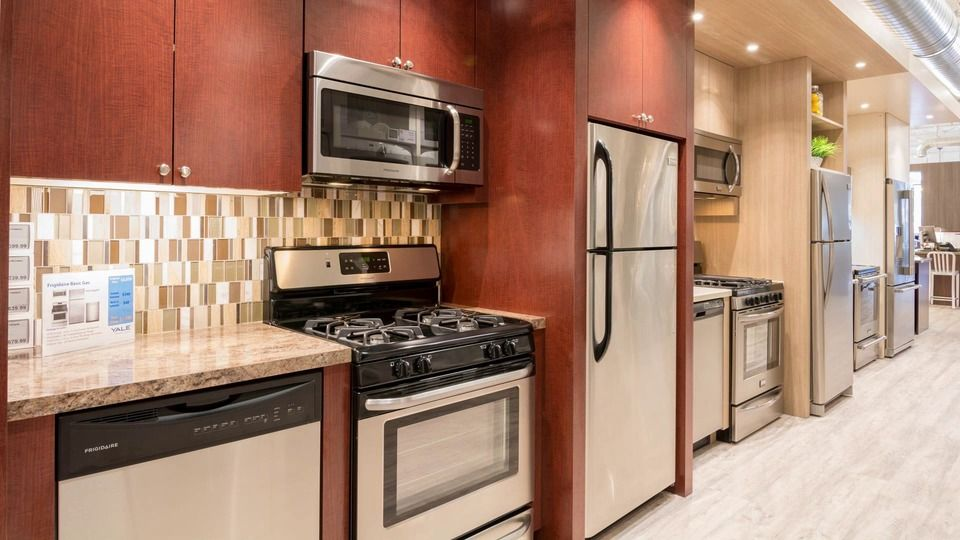 MidRange to Affordable Luxury Appliance Packages (Ratings
