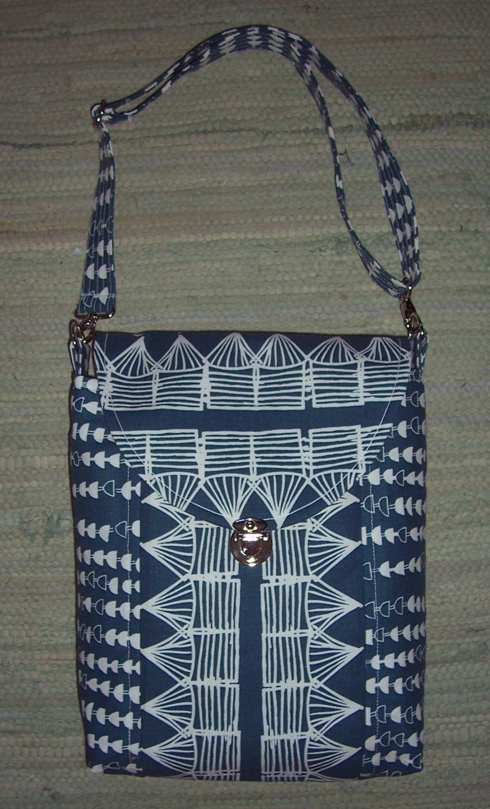 Cross body bag from the pattern by So Sew Easy.  Made by Caroline.