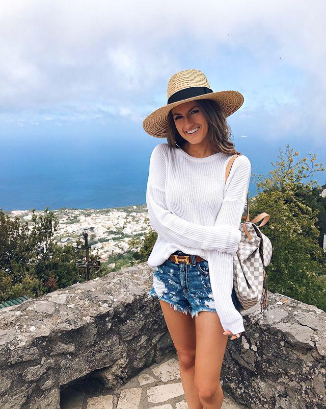 Travel Guide  Capri d7d4fca23a47