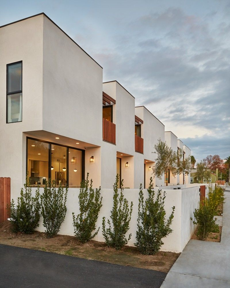 Los Angeles Apartments Melrose: Common Co-Living New Apartment House In Los Angeles