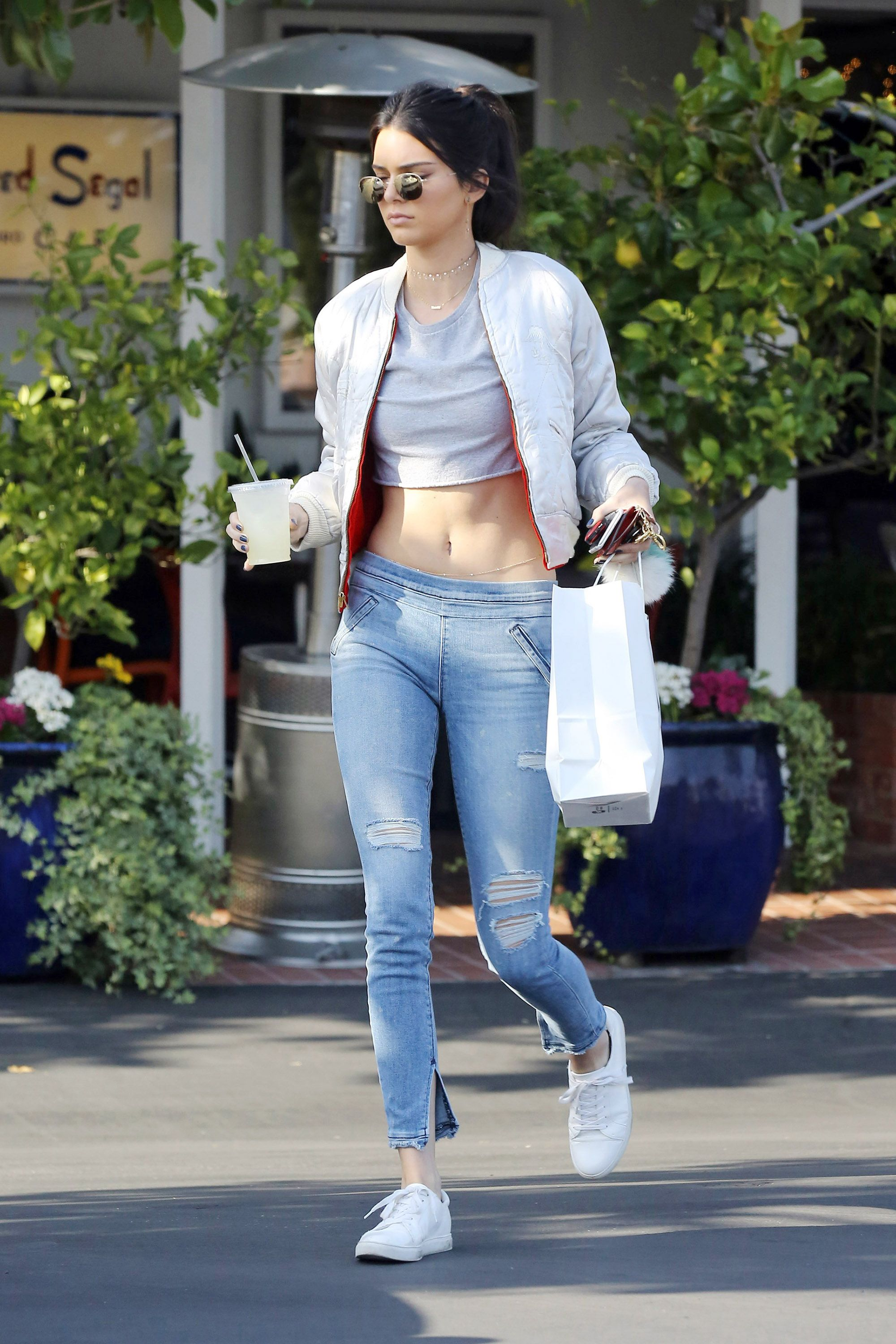36aa8fa653c52 Abs-olutely Chill Take the Kendall Jenner route with a belly-baring crop  top