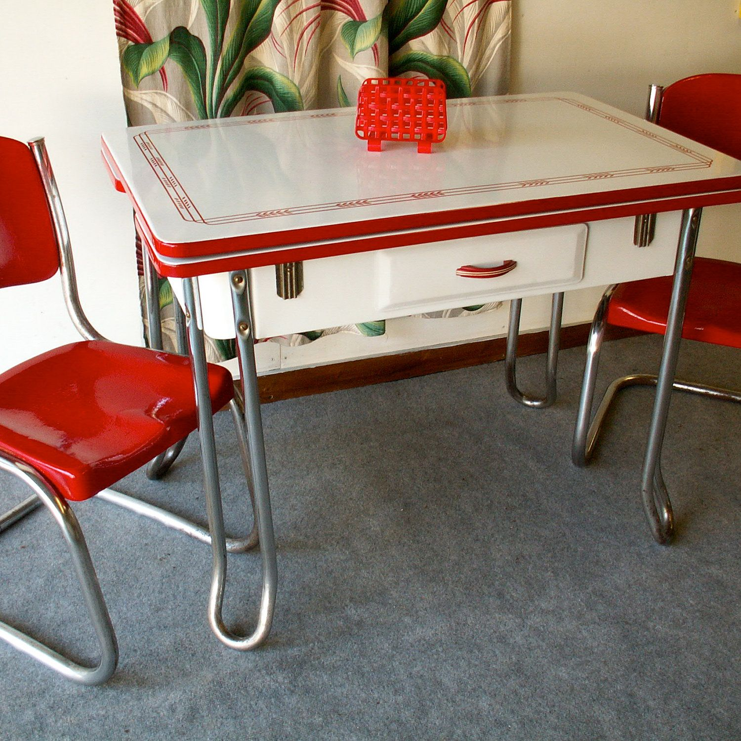 Kitchenette Dining Sets: Vintage Red And White Porcelain Table
