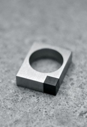 CMF we like / metal / Jewelery / Ring / Black square / Material Contrast / at i am a dreamer