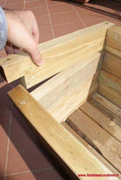 come costruire una fioriera in legno bricolage idee e