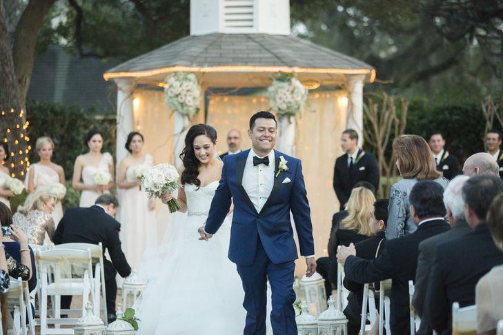 A Valentine S Day Wedding At Butler S Courtyard In League City Texas Wedding Houston Wedding Photographer Wedding Story