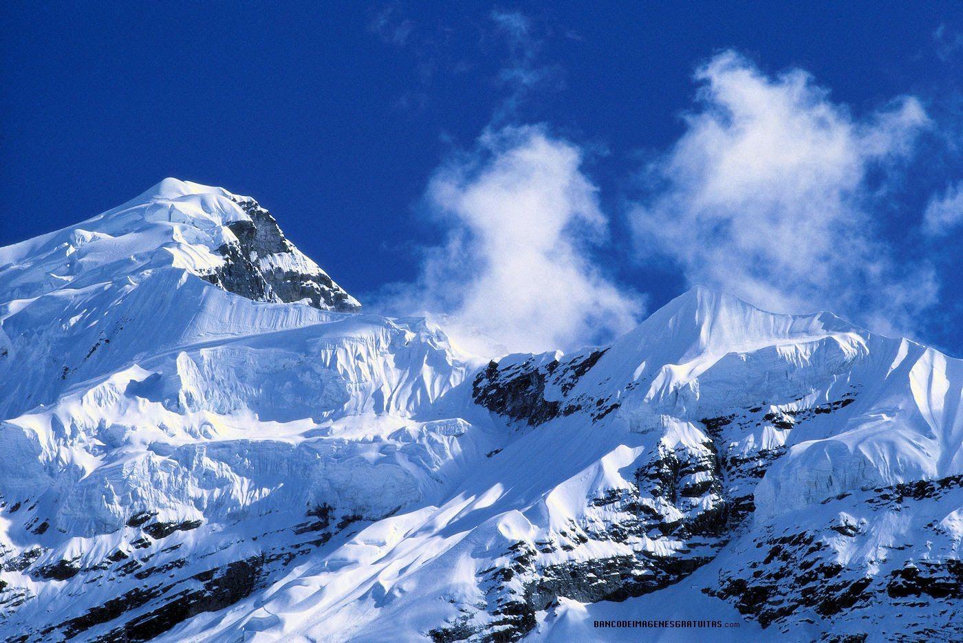 Una Montaña Nevada: Paisajes Nevados O Snowscapes