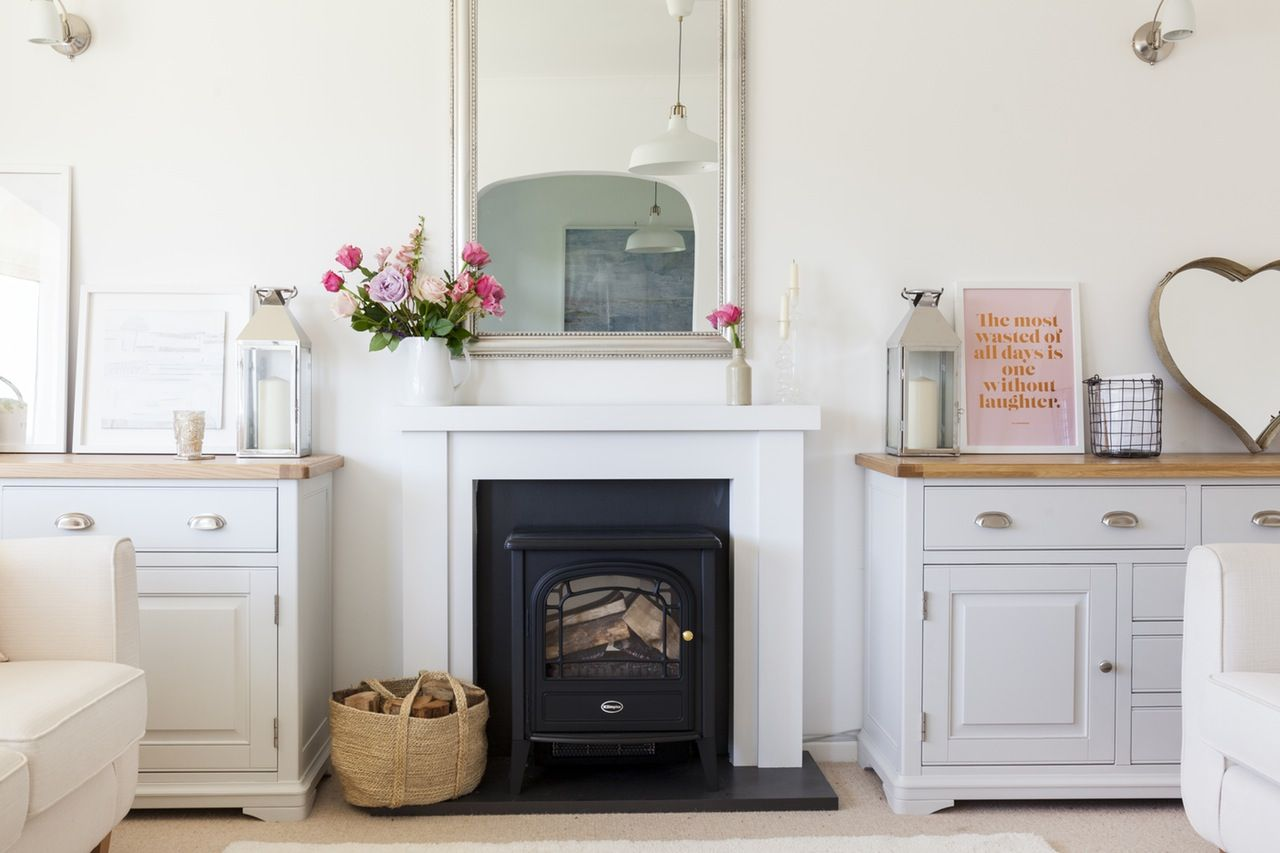 A Charming English Country Bungalow with a Modern Twist