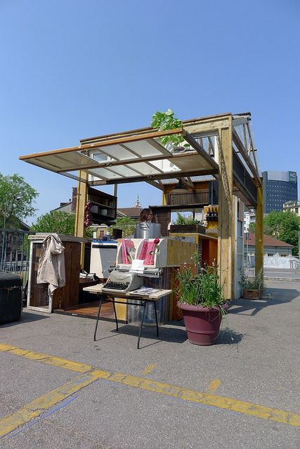 Taverna Milan: Upcycling, Getting to know the community, A place to meet. Foundation projects by Rikkert Paauw and co