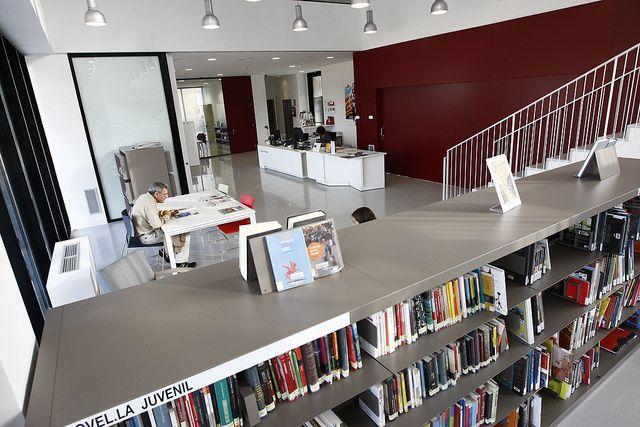 PORQUERES Biblioteca Carles Fontserè de Porqueres. 028 | Flickr: Intercambio de fotos