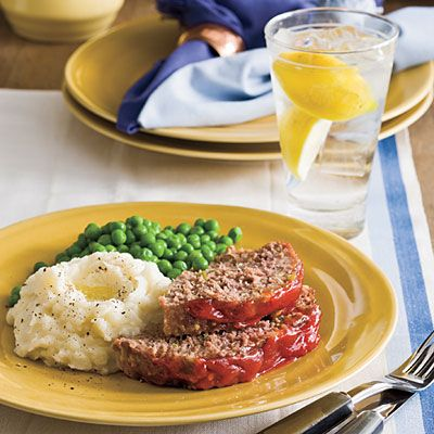 Meatloaf Slices On Creamy Mashed Potatoes Cafedelites Meatloaf Mashedpotatoes Perfect Meatloaf Recipe Meatloaf Recipes Perfect Meatloaf