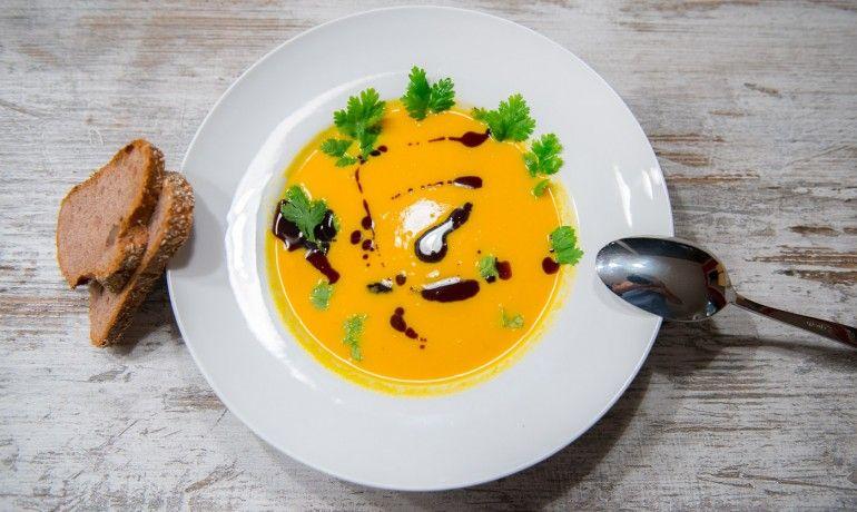 Eat Up! - Kürbissuppe mit Kokos und Ingwer - Eat Up!