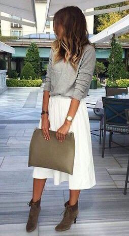 Pull gris et jupe blanche   Look d0cac171f678