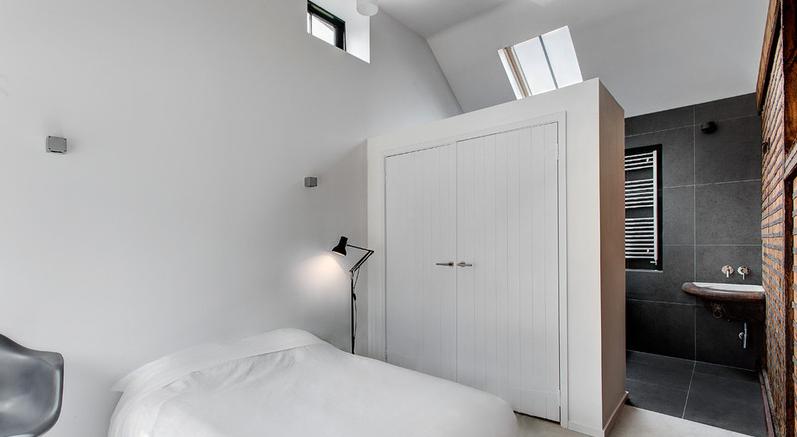 8x waarom een badkamer in je slaapkamer nog niet zo 39 n gek idee is roomed interieur - Idee ouderlijke slaapkamer met badkamer ...