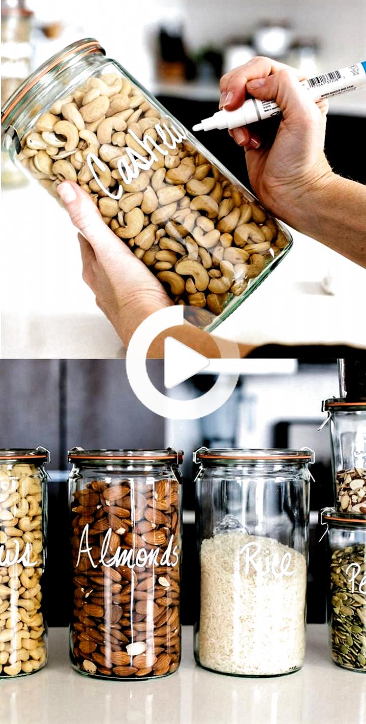 31 Amazing Space Saving Kitchen Hacks #kitchenideas #kleinekeuken #keukenideeen #kitchen #kitchenideas #smallkitchens #kitchenideas #kitchen #kitchenideas #kitchens #kitchen #kitchenideas #smallkitchen