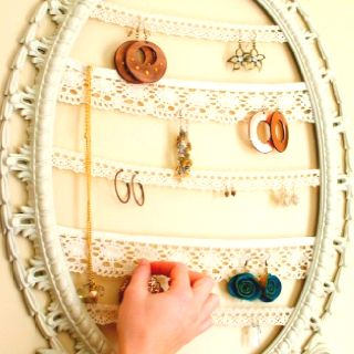 Cute jewelry holder. I may make my own though