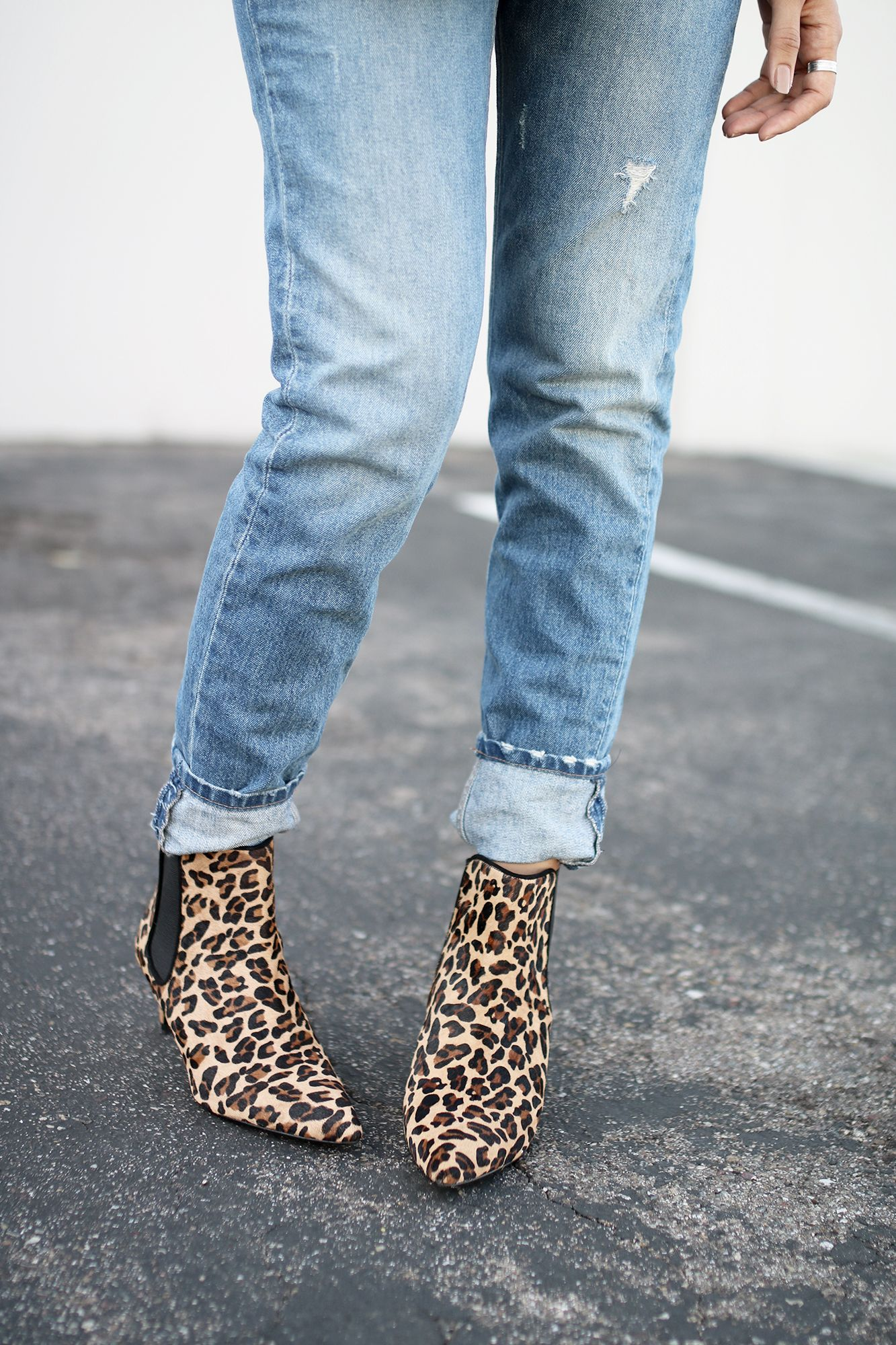 5a83c3168f4a Zara leopard print boots and faded jeans. | Anahis in 2019 | Cuffed ...