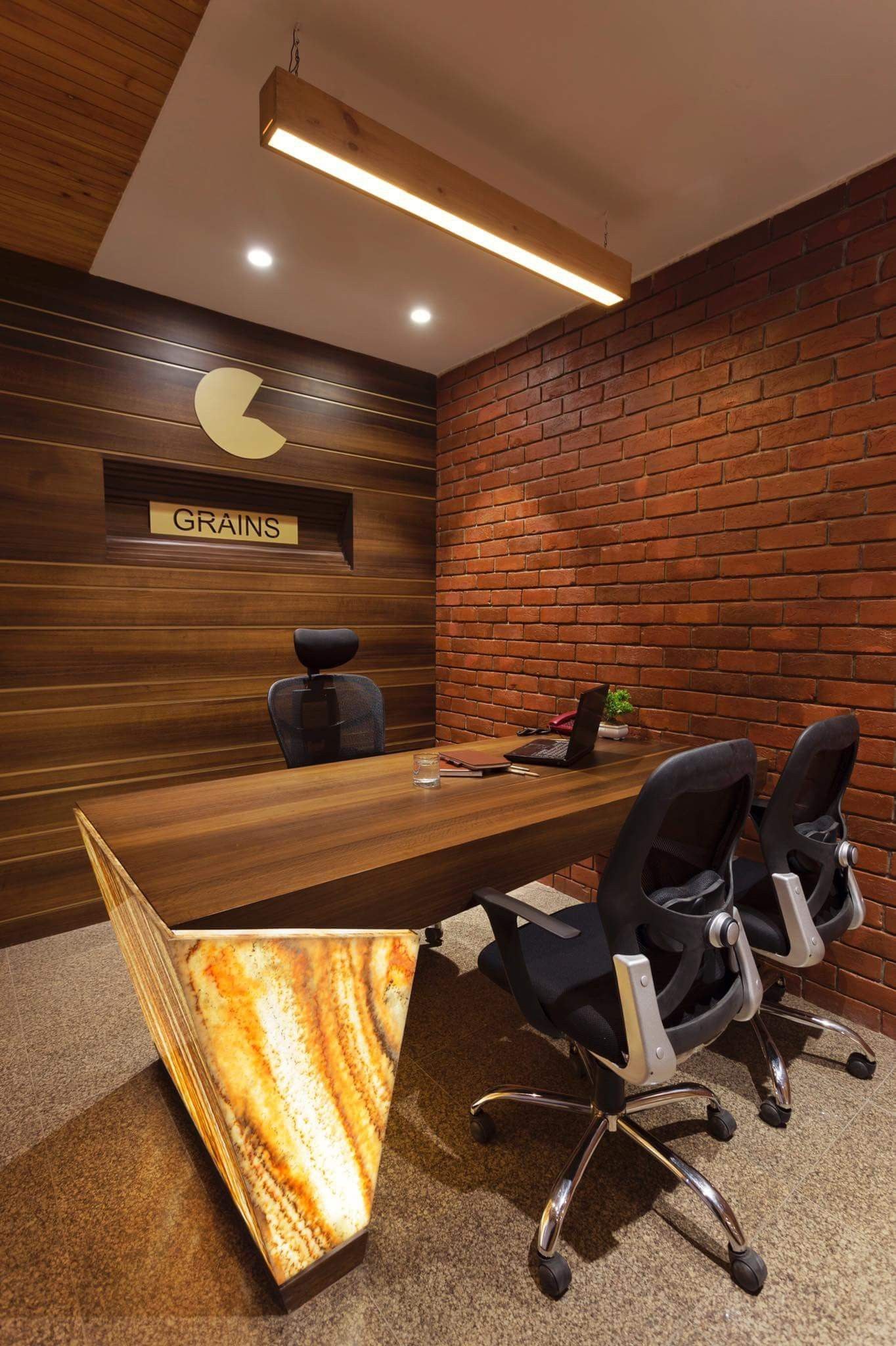5 office top trends office cabin design office table on the best modern home office newest design ideas that enhance your home id=91620