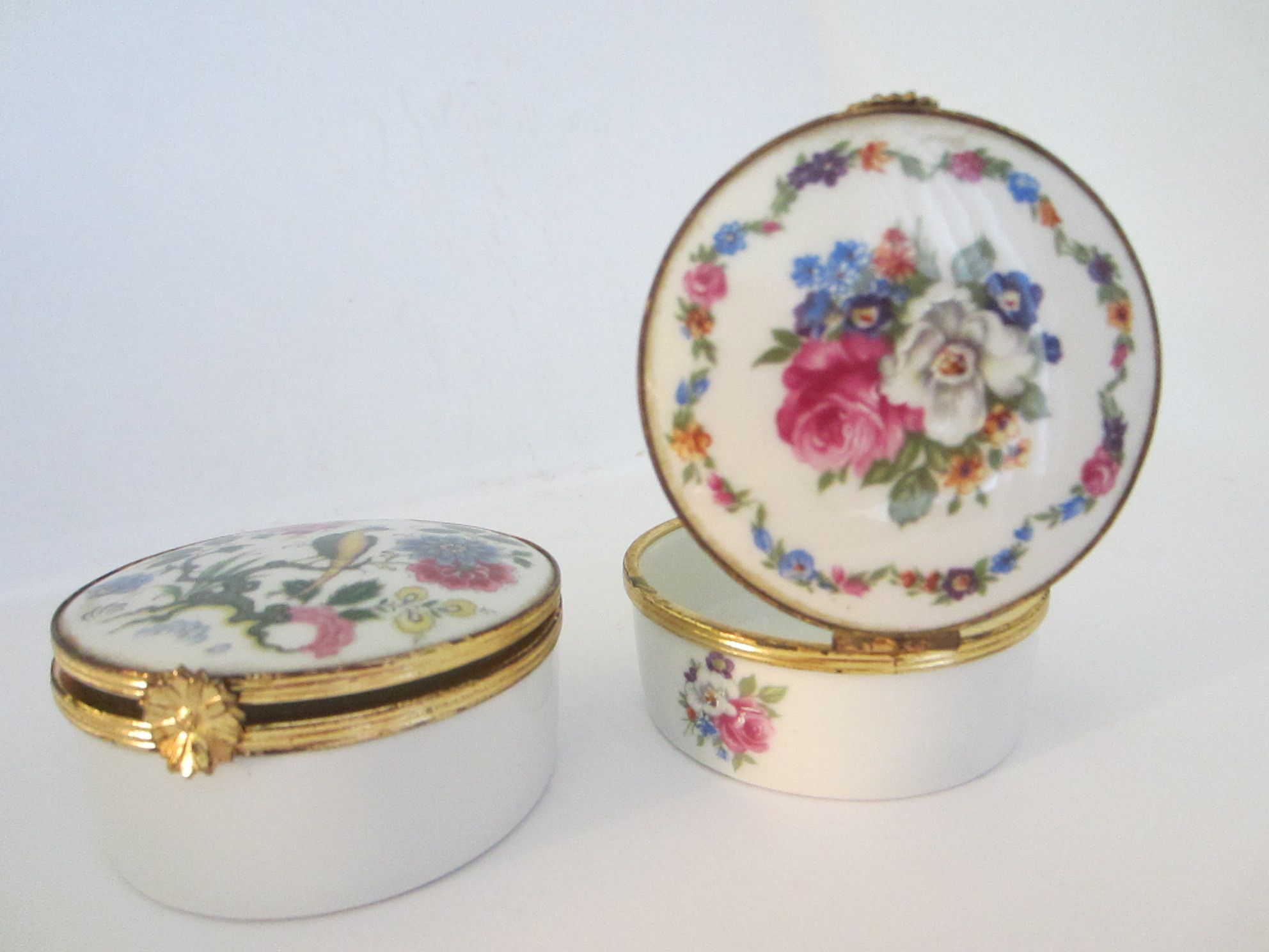 A Notable Highlights Of Two Fabulous Porcelain Trinket Boxes Of Limoges France Slightly Hand Enameled Painted With Exquisite Colors Trinket Boxes Porcelain Antique Boxes