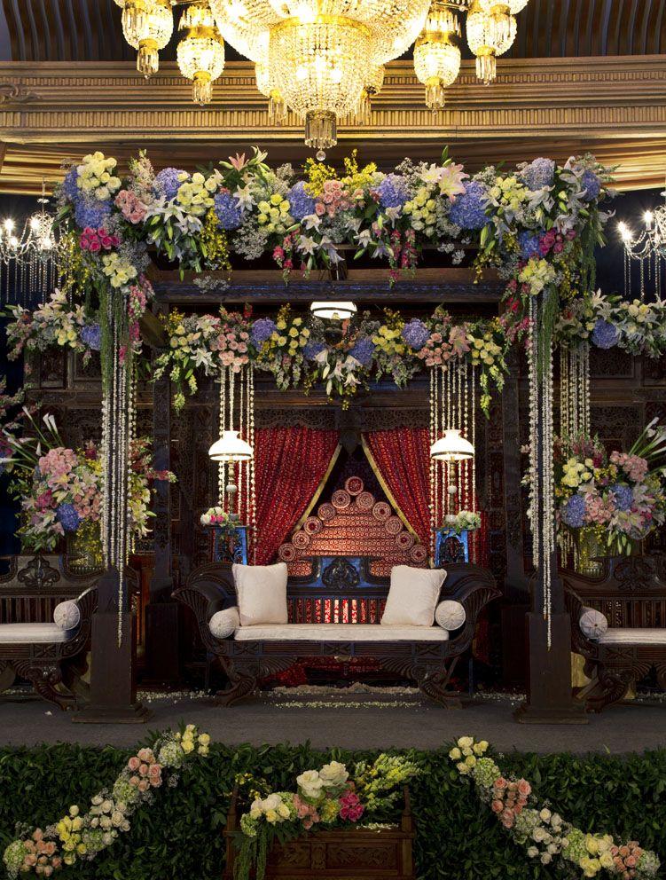 Javanese Classic Glamorous Mawarprada Dekorasi Pernikahan