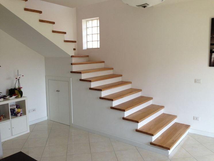 Risultati immagini per scala interna a destra scale in for Scale in marmo per interni moderne