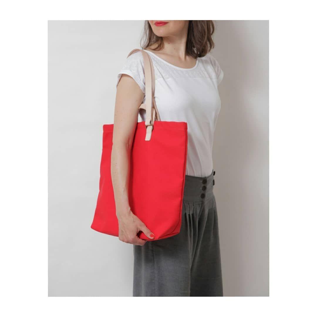 Shopper Sam In Red Esslrieger Shopper Bag Daybag Everydaybag Tasche Totebag Taschenliebe Wanderlust Urbanfashion Urban Naturelover Fairfashio