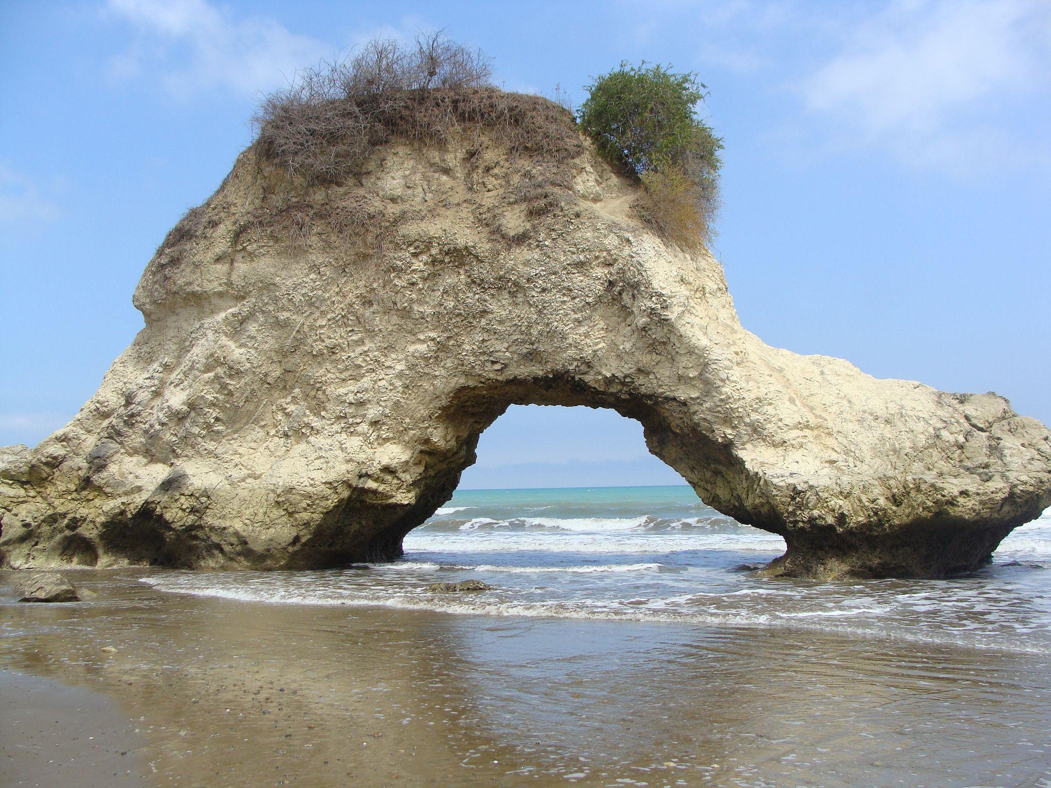 El Arco del amor. Playa de Tasaste   Ecuador, Travel, Outdoor
