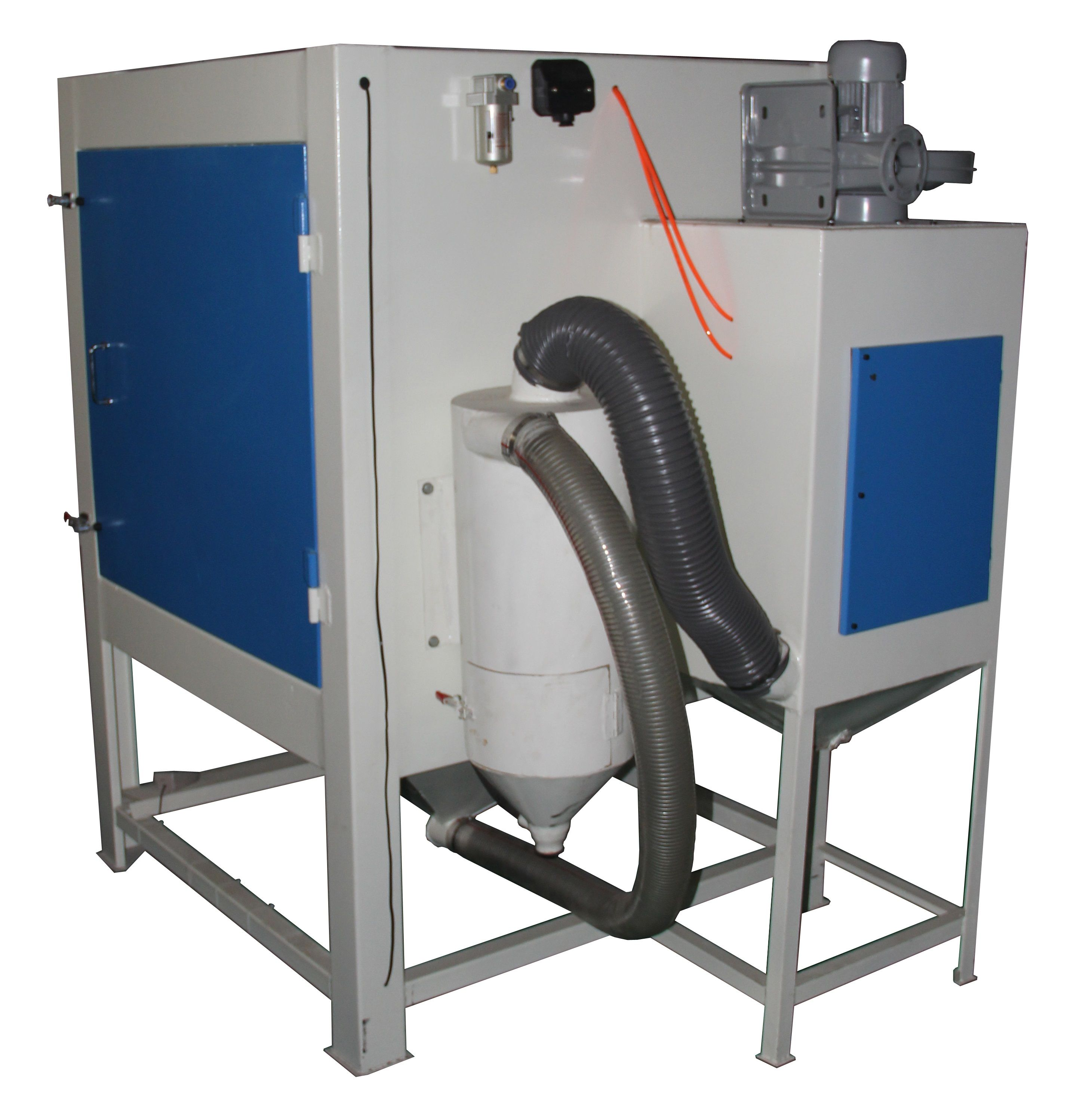This sandblasting cabinet has a cyclone system which could effective
