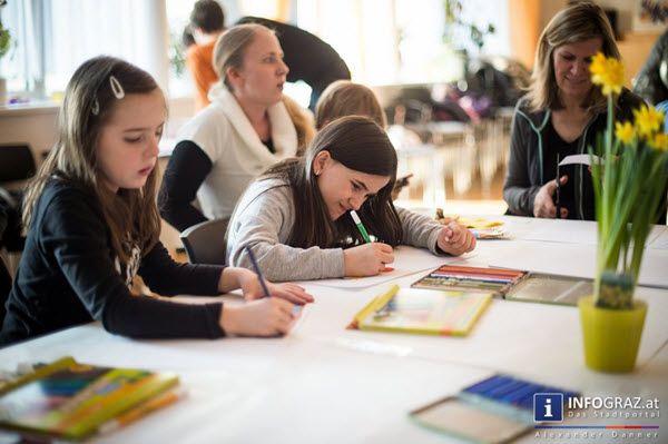 """Welche Vorstellung und Visionen einer lebenswerten Zukunft haben die Kinder einer Gemeinde, also diejenigen, die mit den politischen Entscheidungen von heute in Zukunft leben müssen? """"#Kinder #malen"""" """"#Bürgerinitiative #Hart bei #Graz"""" #Vorstellung #Visionen """"#lebenswerte #Zukunft"""" #Gemeinde """"#politische #Entscheidungen von #heute"""" #Zukunft #leben #Fragestellung """"#Jüngsten ihrer #Gemeinschaft"""" """"#bunte #Wünsche #Ideen"""" """"#malerisch #Ausdruck #verleihen"""""""