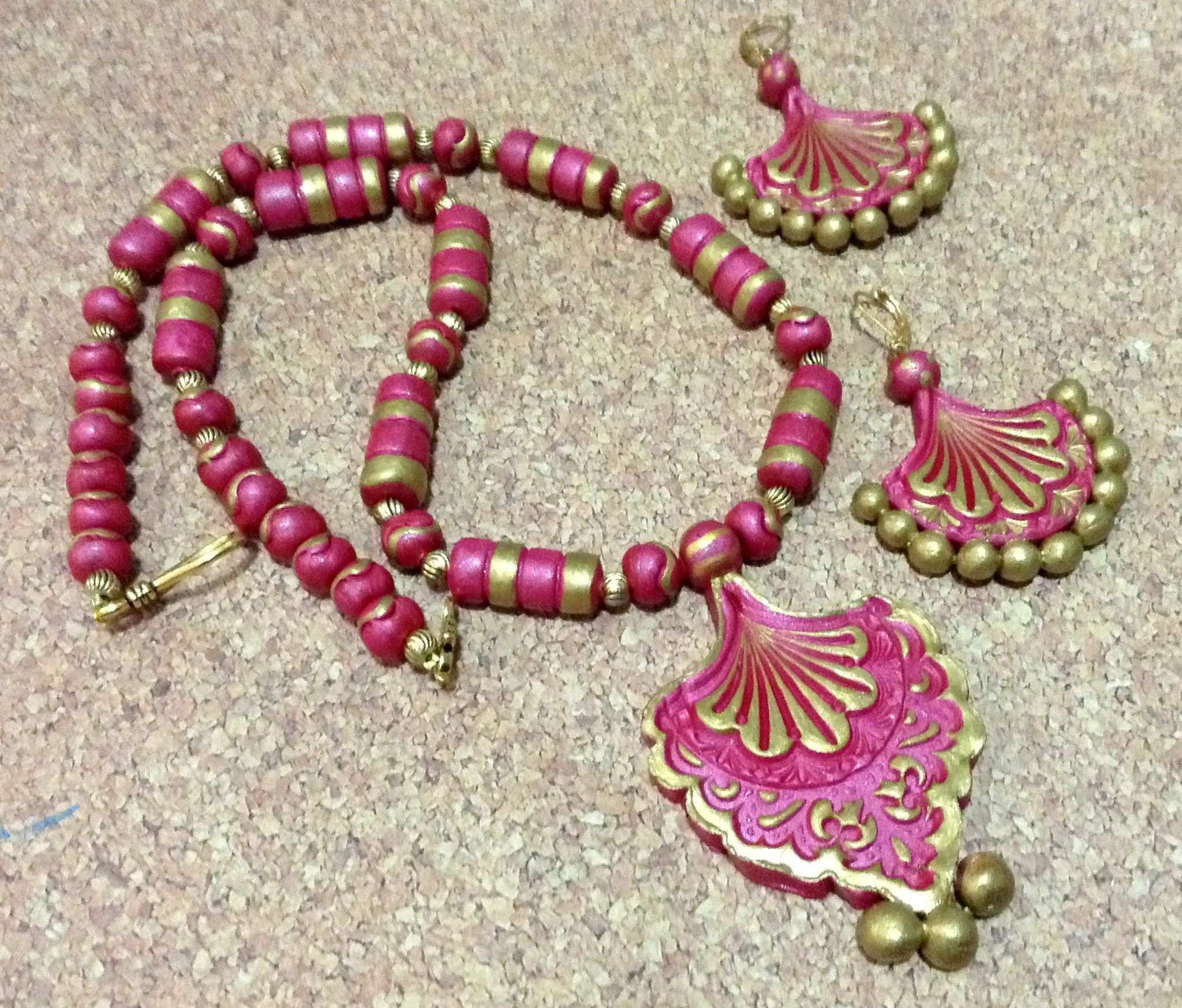 Terracotta pendant and earhangings jewelry set pink and gold