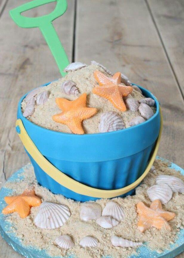 Strand giant cupcake