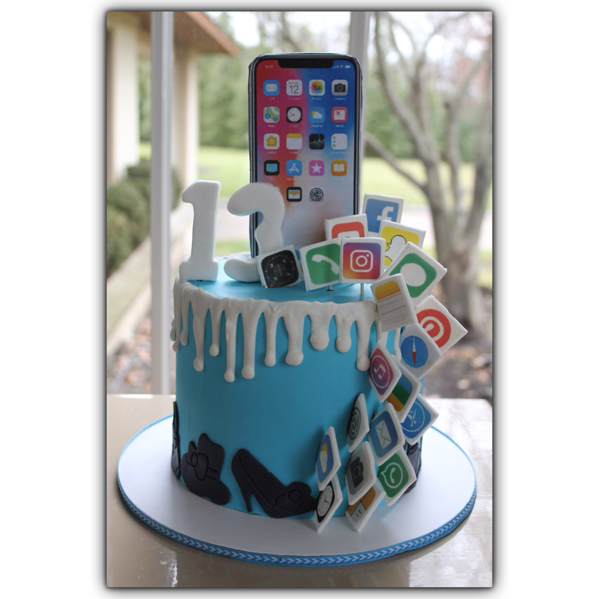 Marvelous Iphone Cake 13 Birthday Cake 14Th Birthday Cakes Boys 16Th Funny Birthday Cards Online Aeocydamsfinfo