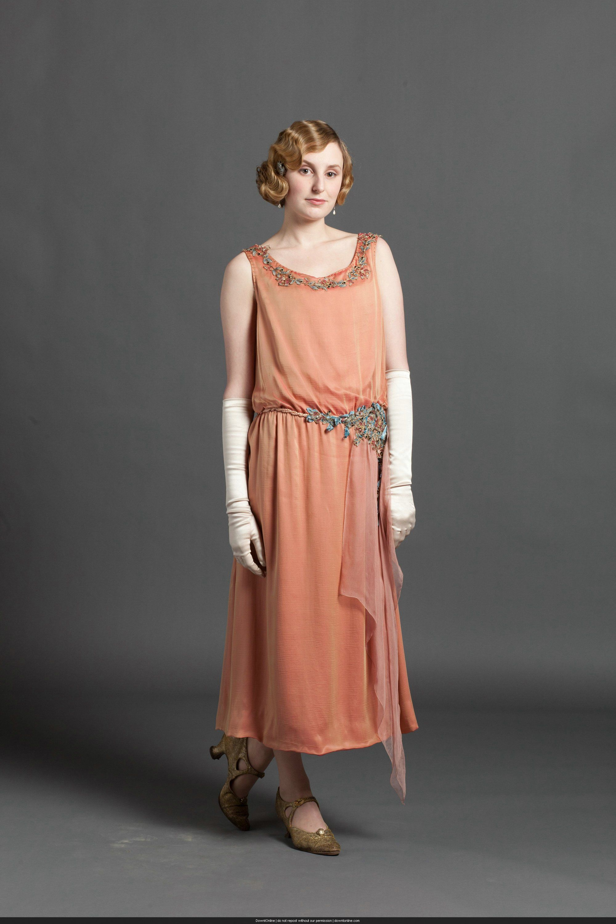 A Look At The History Of 1920 Fashion As Seen In Downton Abbey Season Featuring Dresses Hats And Accessories Its Finest