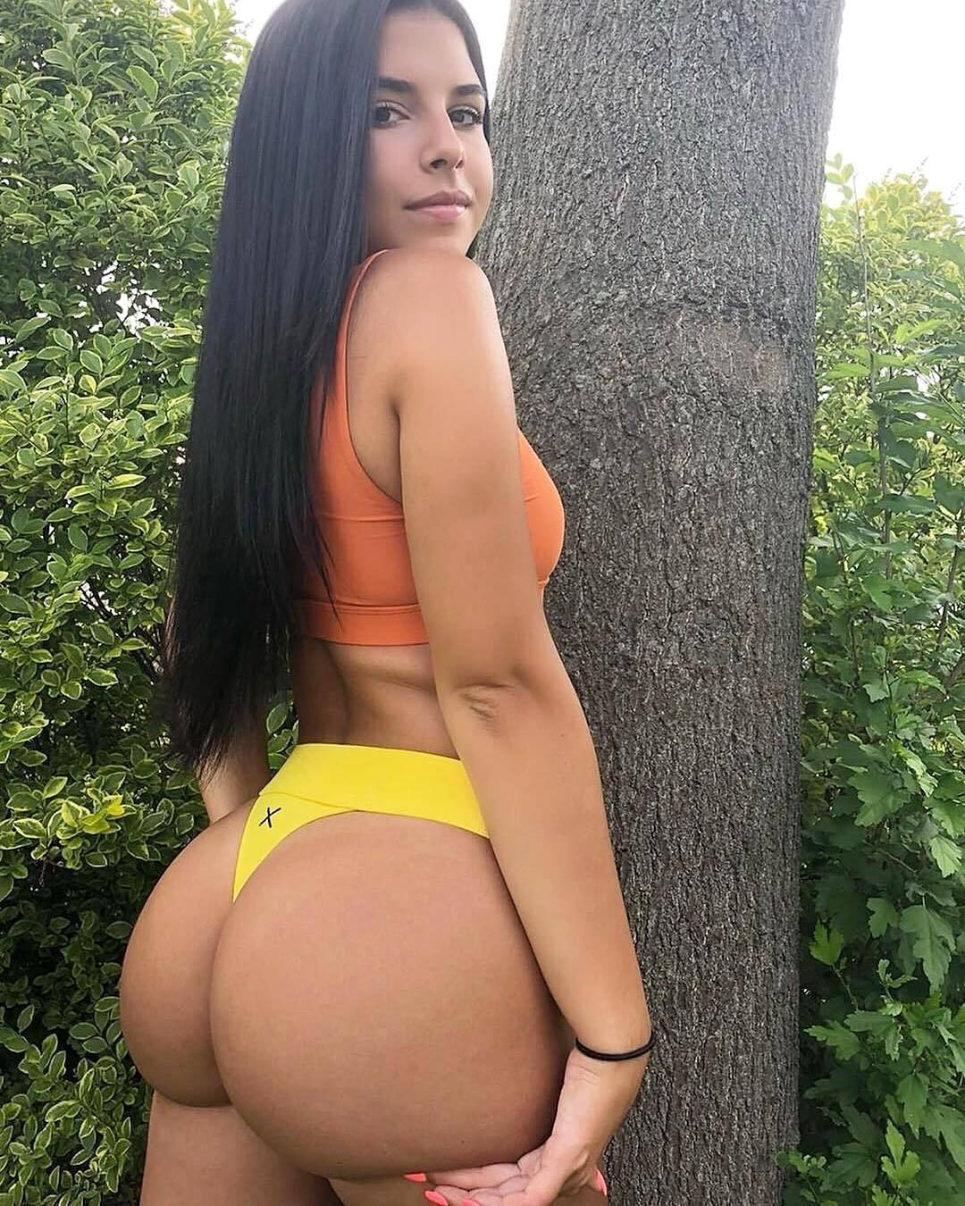 live chat with sexy women