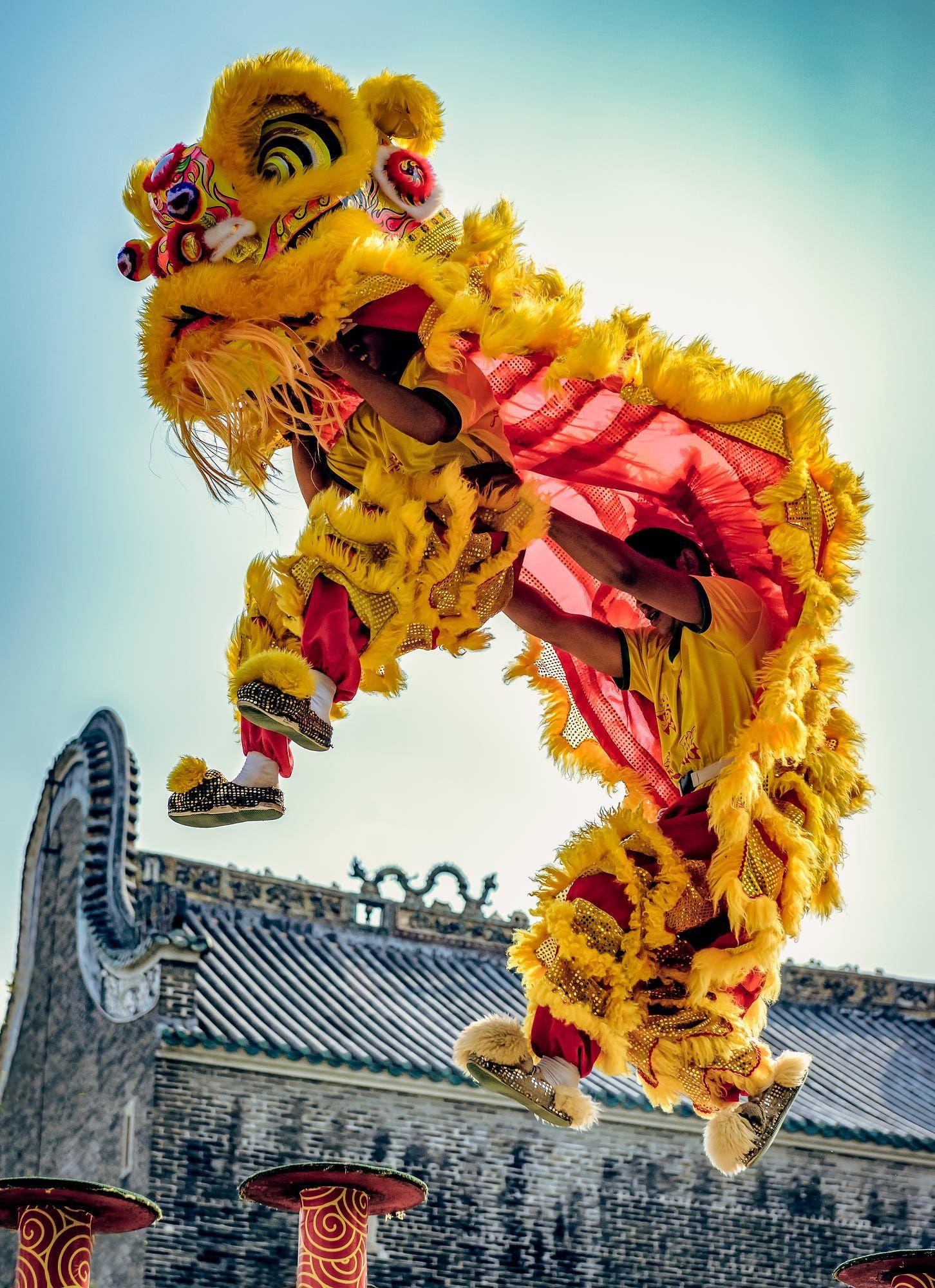 dragon dance guangzhou china