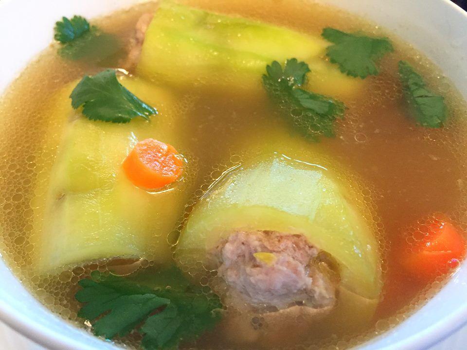 Cucumber Stuffed with Ground Pork Soup