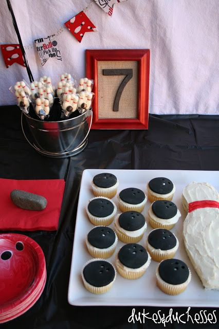 bowling party :: pin cake and bowling ball cupcakes