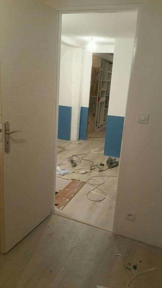 Porte castorama et peinture bleu \